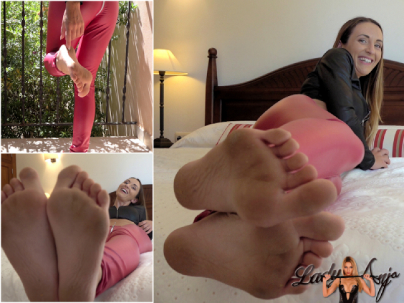 Dirty Feet - Make them clean!