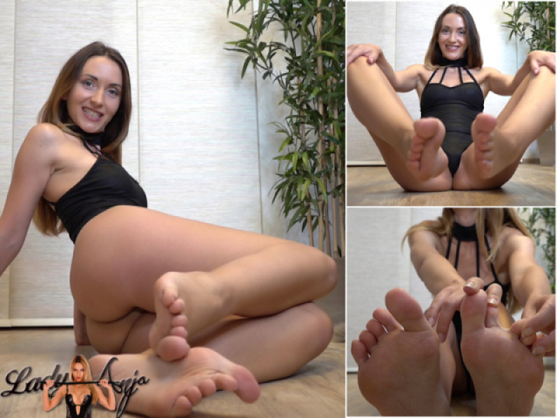 Footjob dreams - Stroke to my feet