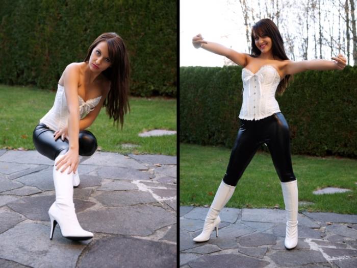 Wetlook-Leggins + weiße Lack-Stiefel