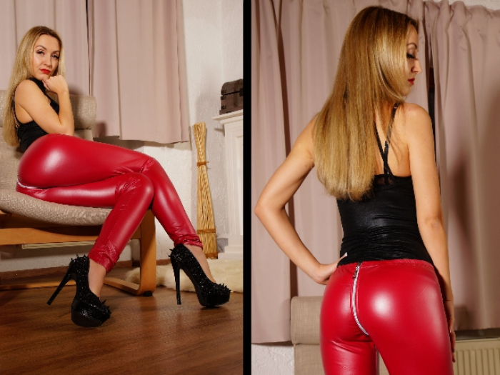 Red Lips and Leggings make your dick hard