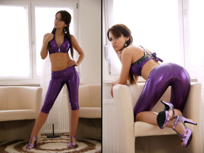 Dominant in lila Lack-Outfit