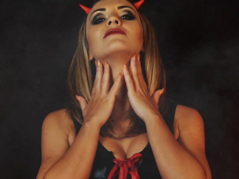 Halloween Loserporn: Zwischen Himmel und Hölle