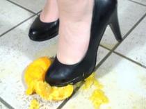 Crushing mit einer Orange